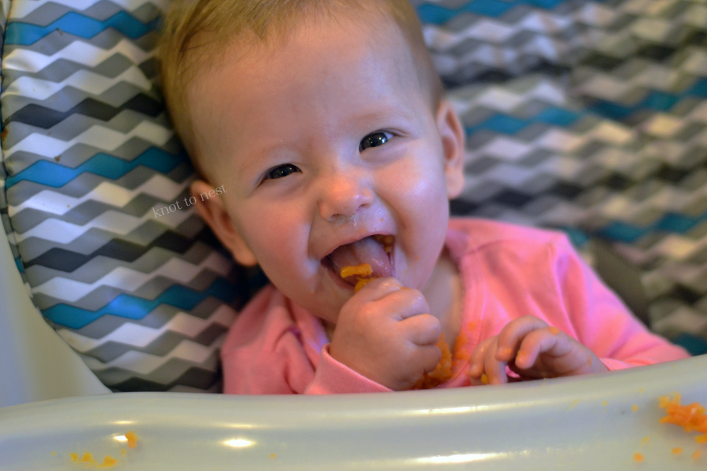 Tips for introducing solid foods to babies