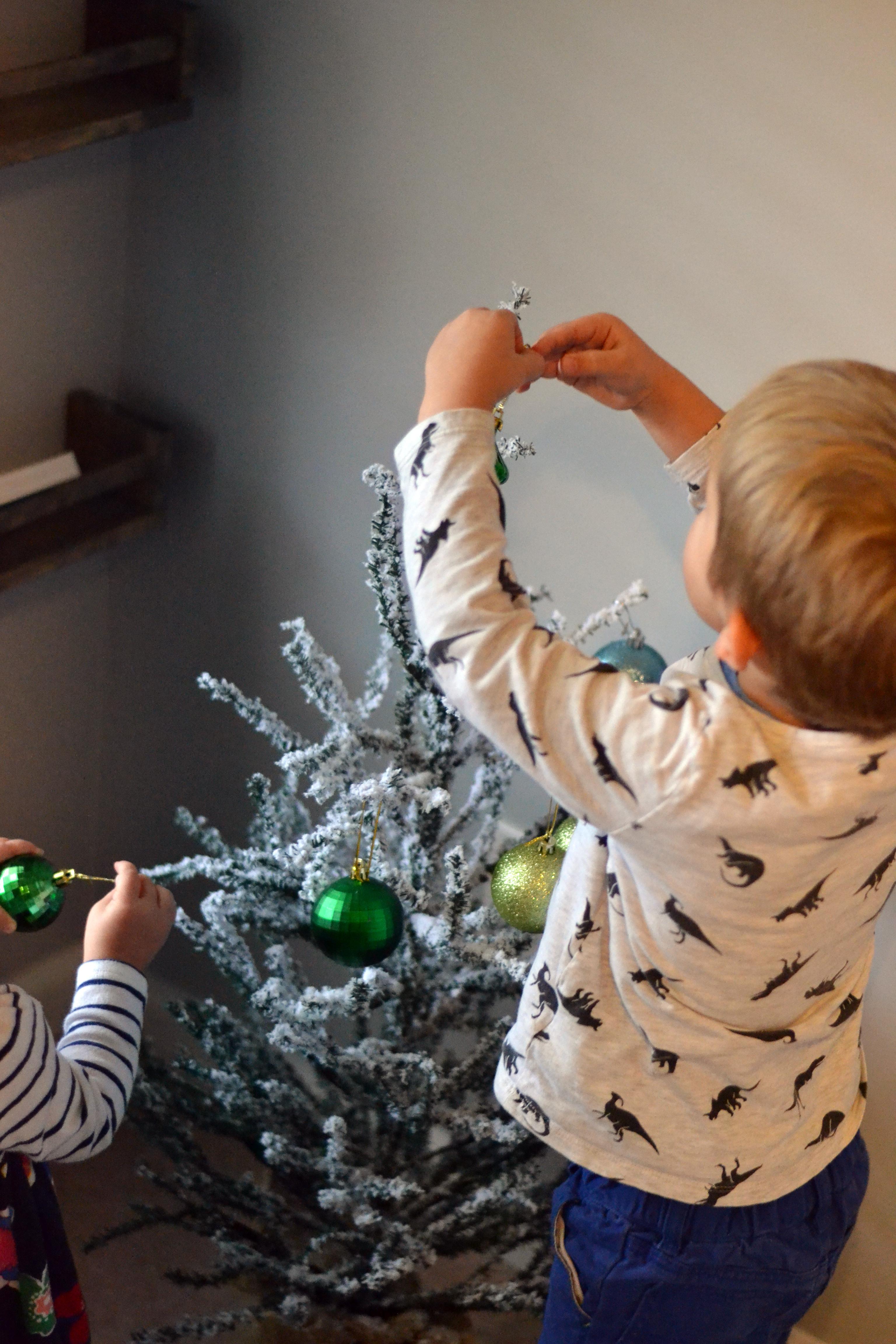 DIY pretend Christmas tree