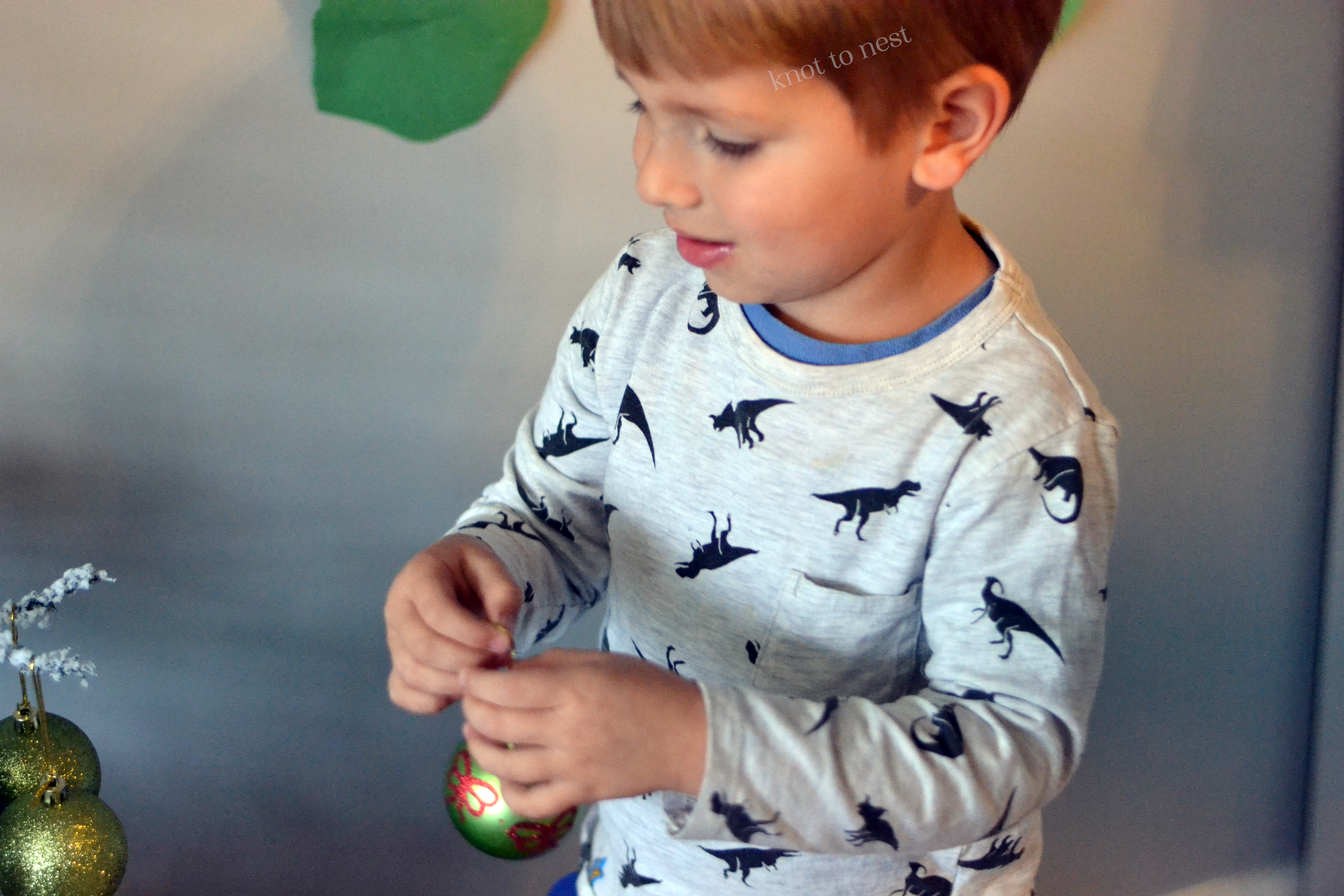 Easy Christmas activity for toddlers